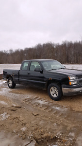 2004 Chevrolet Silverado extended cab pick up truck