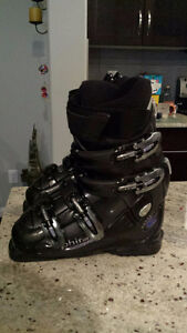 Barely worn ski boots for petite lady or teenager