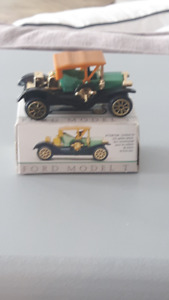 Small die cast cars