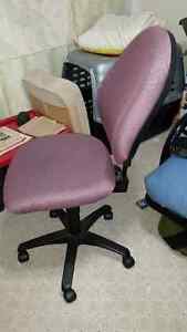 Swivel Desk Chair Prince George British Columbia image 2