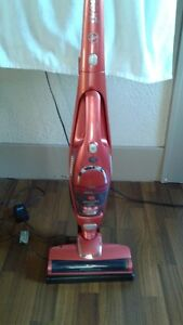 New Hoover Presto 2 in 1 Cordles Stic Vac with (motorized brush)