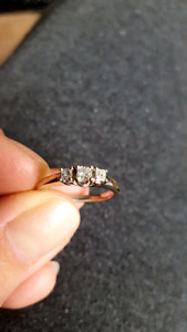 14K White Gold three stone diamond SI2 engagement ring Size 5.5