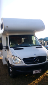6 berth Jayco motor home