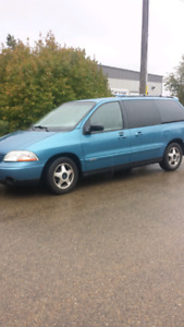2002 Windstar Ford  (( like new in ever way ))