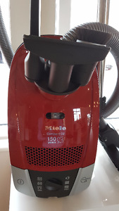 NEW Miele Compact C2 Hardfloor Canister Vacuum
