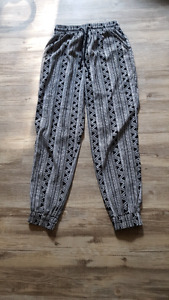 Brand new soft comfy pants - forever 21 size xs
