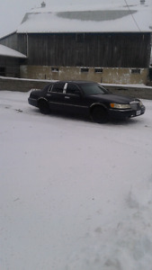 For sale 2000 Lincoln Town Car