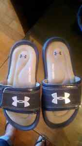 Underarmour youth Sandals size 2.