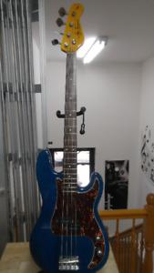basse.fender.instrument.guitare.musicman.godin.vox