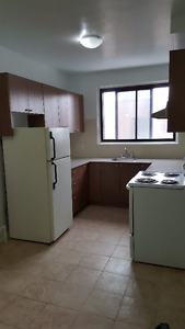 Brand new renovated large 4 1/2 CDN available June/July