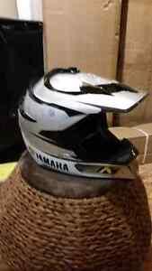 Klim Yamaha Helmet & Klim Goggles  St. John's Newfoundland image 3