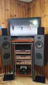 JVC STERIO SYSTEM 5 JVC SPEACKER INCLUDED ALSO STAND