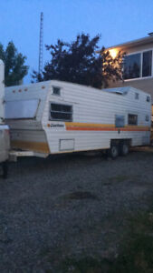 27ft CAMPER -MUST GO by Jan 25th! - everything works