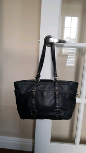 Gorgeous leather Coach bag