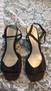 2 pairs of heels Windsor Region Ontario image 2