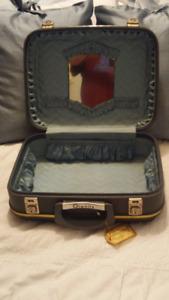 Vintage Dionite make up case...lower price