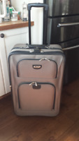 luggage - large pullman suitcase - new, used once - $25.00