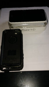 iPhone 5C 16 GB AND OtterBox- mint condition.