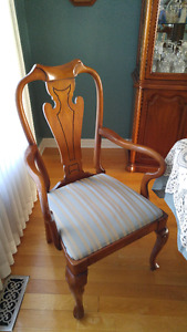 ****NEW PRICE***6 Beautiful Cherry Finish Solid Wood Chairs