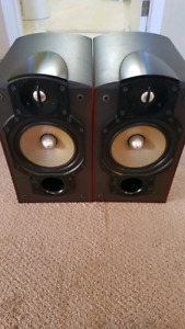 Paradigm Studio 20 V3 speakers for sale