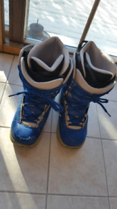 Ride Snowboard Boots (Womens size 7 US)