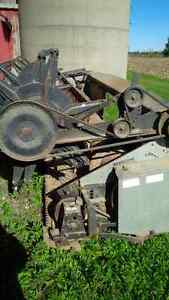 15 foot combine head , gleaner l,m London Ontario image 1
