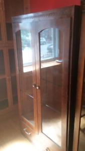 2 meubles vitrine d exposition