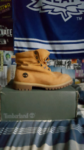 Men's size 10.5 authentic timberlands