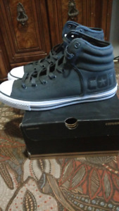 Converse hi-top sneakers size 11m/13w open to trades