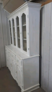 For sale a buffet &hutch