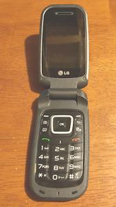 ••• LG CELLPHONE  ( FLIP PHONE) •••