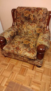 Sofa and arm chair COLONIAL  style West Island Greater Montréal image 2