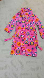 Two housecoats for girls aged 6 - 10 Kingston Kingston Area image 2