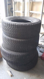 4 Tire Hiver Neuf pour camion 245/70/R16