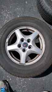 Selling 4 Michelin Defender Tires on Alloy Rims Kitchener / Waterloo Kitchener Area image 3