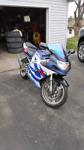 REDUCED 2000 Suzuki GSXR 750