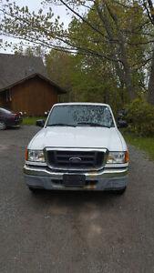 2004 Ford Ranger XL Pickup Truck