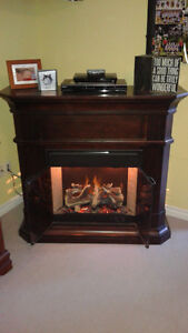 Electric Fireplace – beautiful piece of furniture – perfect cond