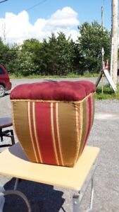 HASSOCK OR FOOT STOOL