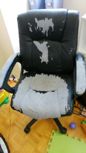 Computer chair.. Freee