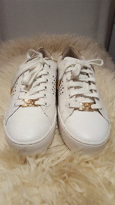 Michael Kors White Shoes Size 6 Like New