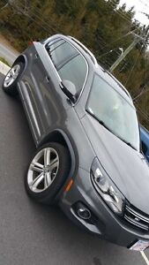 2014 VW Tiguan R line with technology package