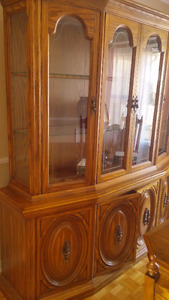 Solid Oak Dining Suite MOVING MUST SELL