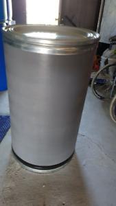 Large fiber shipping/storage barrels
