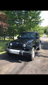 2014 Jeep Wrangler Sahara 2 Door - Low kms! Hard and Soft Tops