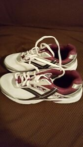 NEW ,2X'S WOMENS RUNNING SHOES
