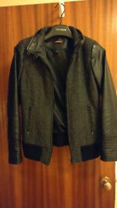 Women's leather jacket - Danier - size small