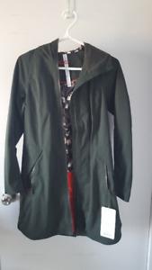 NEW Lululemon Definitely Raining Jacket - Size 4