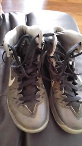 Nike basketball shoes- men's 7