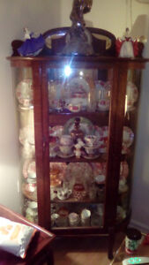 1920s ANTIQUE CHINA CABINET WITH BOWED GLASS